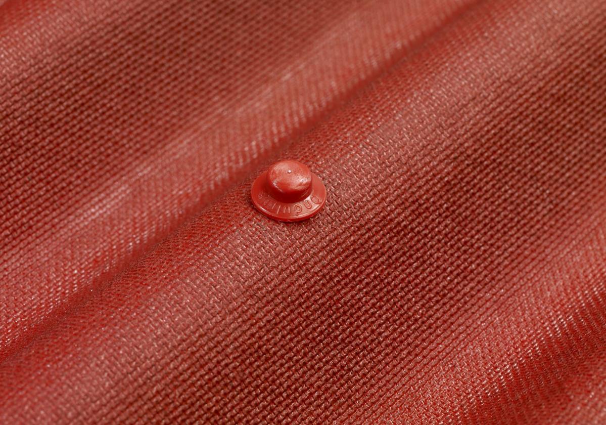 Onduline Easyfix intenzív vörös hullámlemez közelről